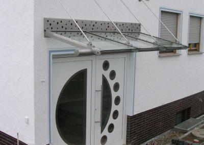 Vordach - abgehängtes System